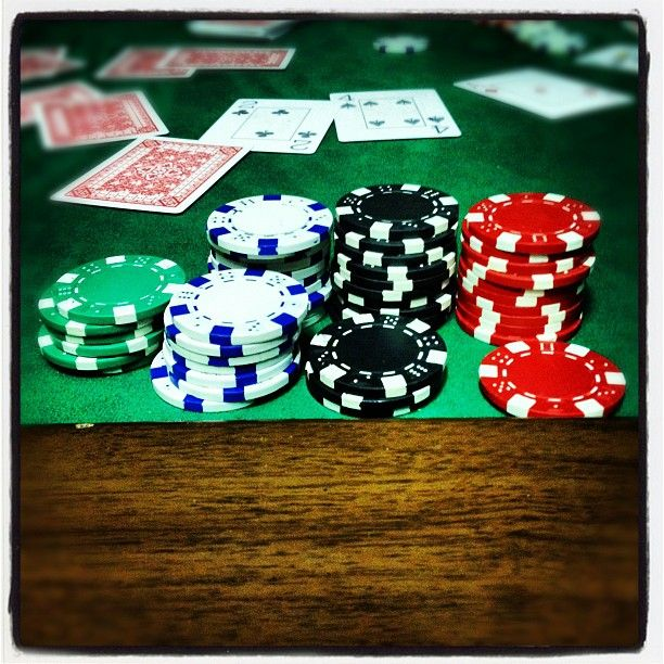 Poker betting online templeNile